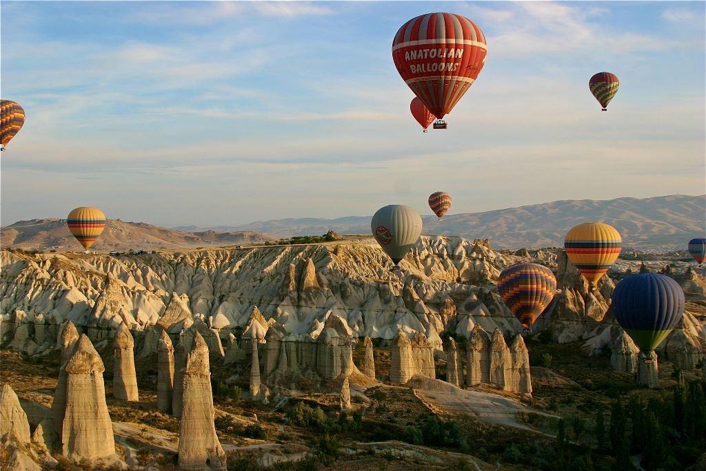 Meskendir Valley in Capadocia, Turkey | Capadocia, Volar en globo, Lugares  para visitar