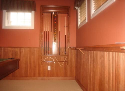 Stained Wainsc Wainscoting