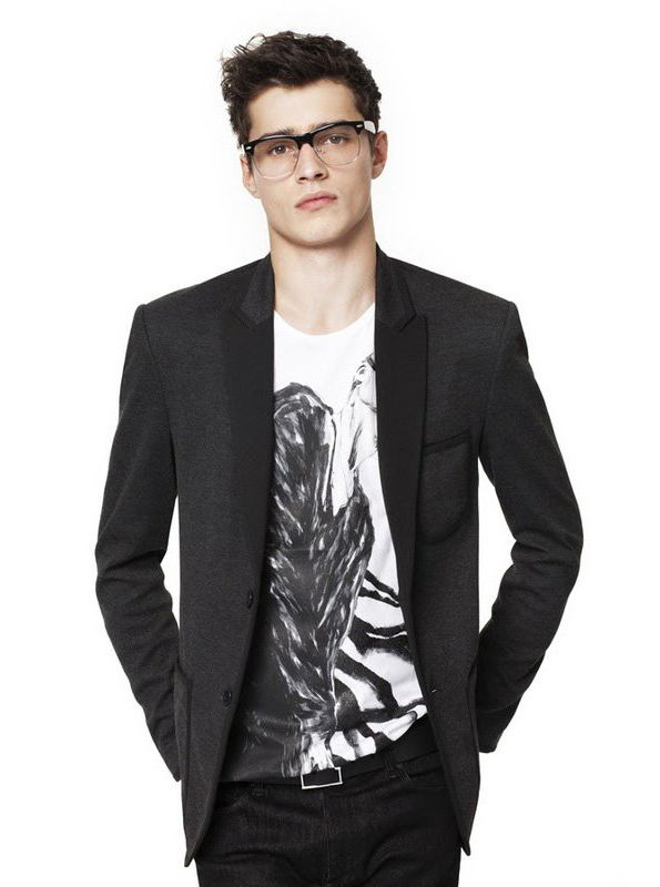 T-Shirt & Coat/Blazer. All time favourite.   Classy Style ...
