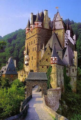 Castle Burg Eltz Germany Castle Beautiful Castles Famous Castles