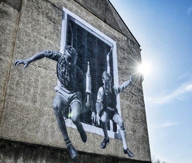 JR - Unframed, Street Art Photography