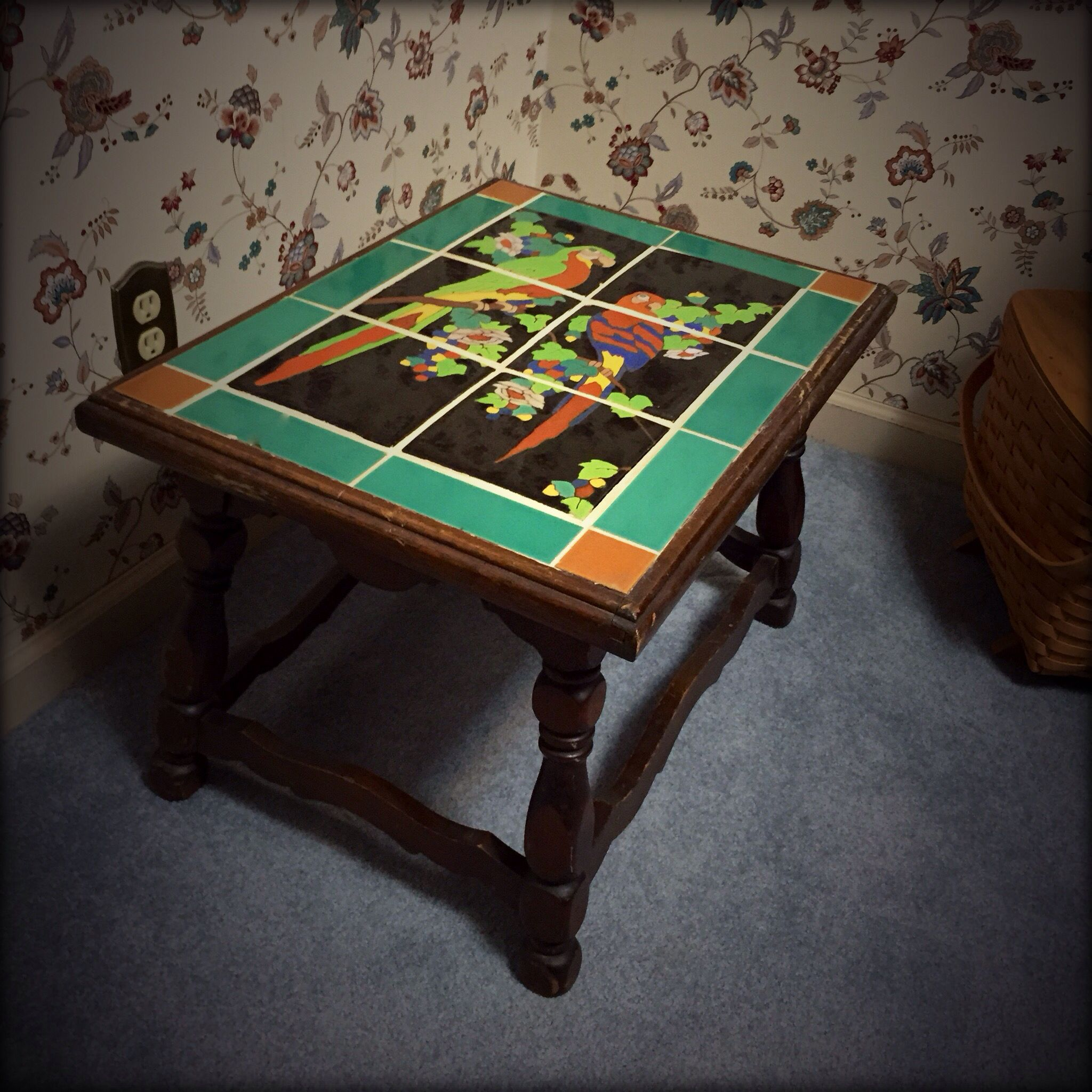 Latest local find... A Taylor Tile table. I am guessing it