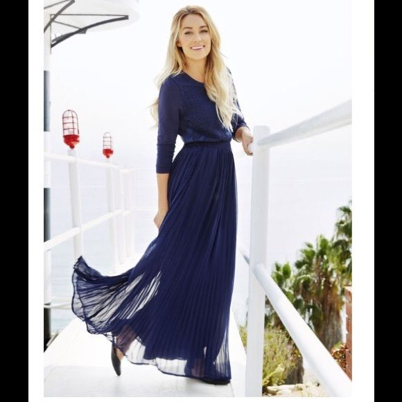 f8bd1aab2f6 Pleated maxi skirt Long chiffon navy blue skirt with lining. Skirt has  elastic along the back waist and a side zip. You can make this higher waist  or pull ...