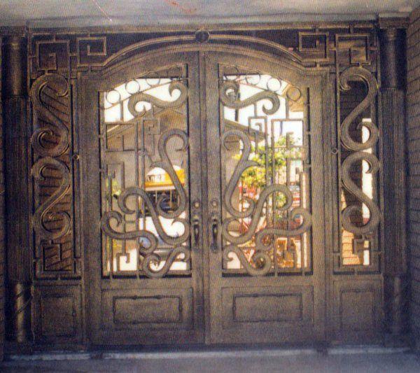 Madera con hierro artistico puertas y ventanas antiguas for Puertas de madera y hierro antiguas