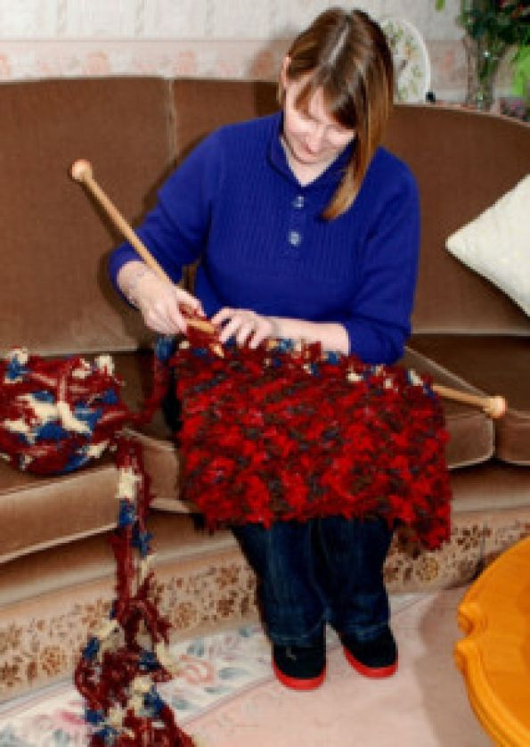 Extreme knitting + recycling. Knitting with selvedges.