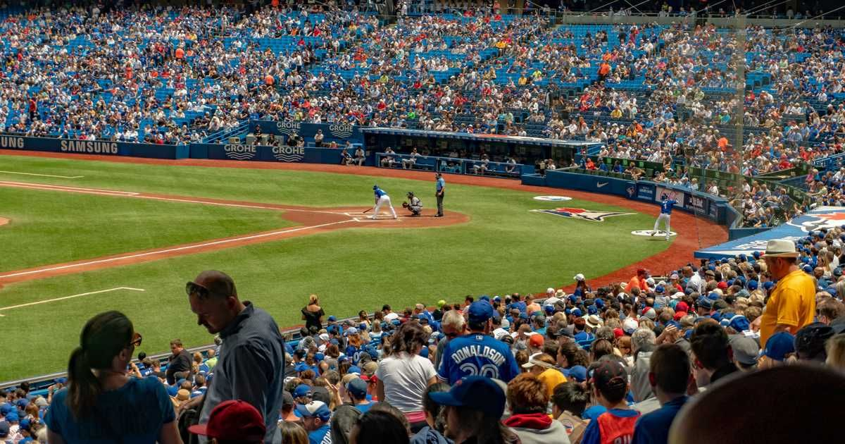Toronto Blue Jays Fans Are Worried About The Rogers Centre