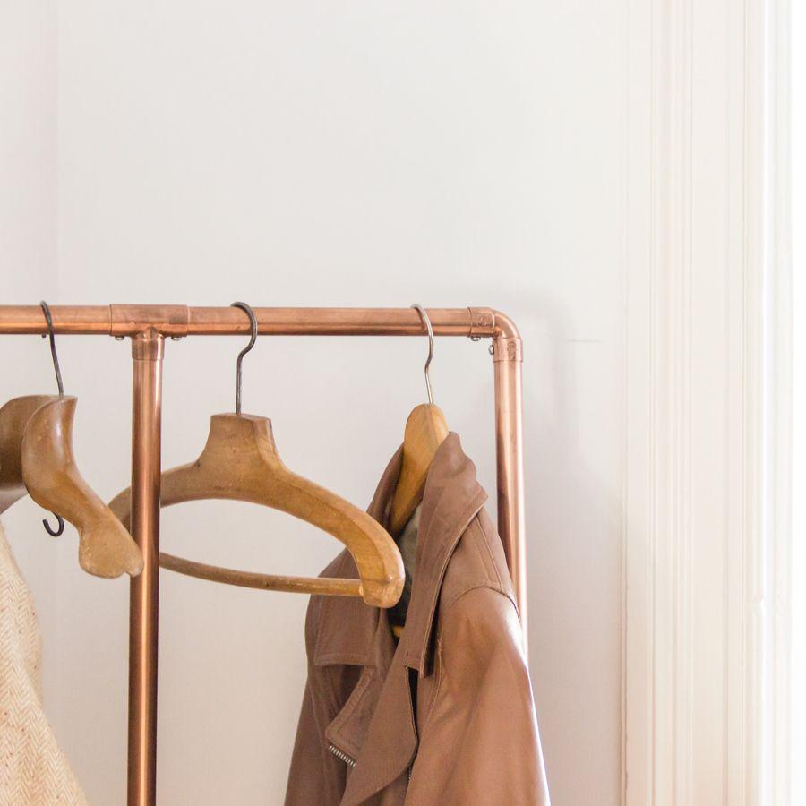 portant vetement cuivre auguste et claire via benedicteclaire home sweet home pinterest. Black Bedroom Furniture Sets. Home Design Ideas