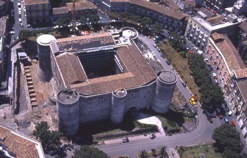 Risultati immagini per castello ursino catania