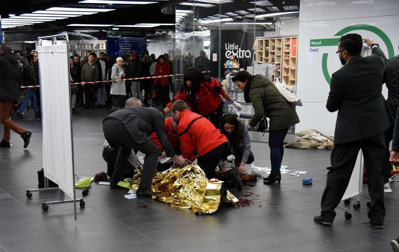 Paris Andy Mort Pour Une Simple Bousculade A La Station Chatelet Les Halles Chatelet Les Halles Hall Paris Ile De France