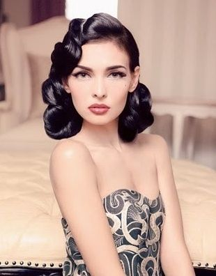 Retro Makeup And Hair Flawless Retro Hair And Makeup Hair Retro Wedding Hair Hair Styles Retro Hairstyles
