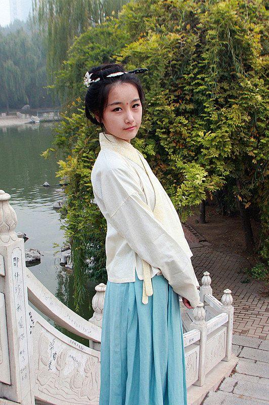 Hanfu traditionelle chinesische Kleidung Damen Han von HanfuStyle ...