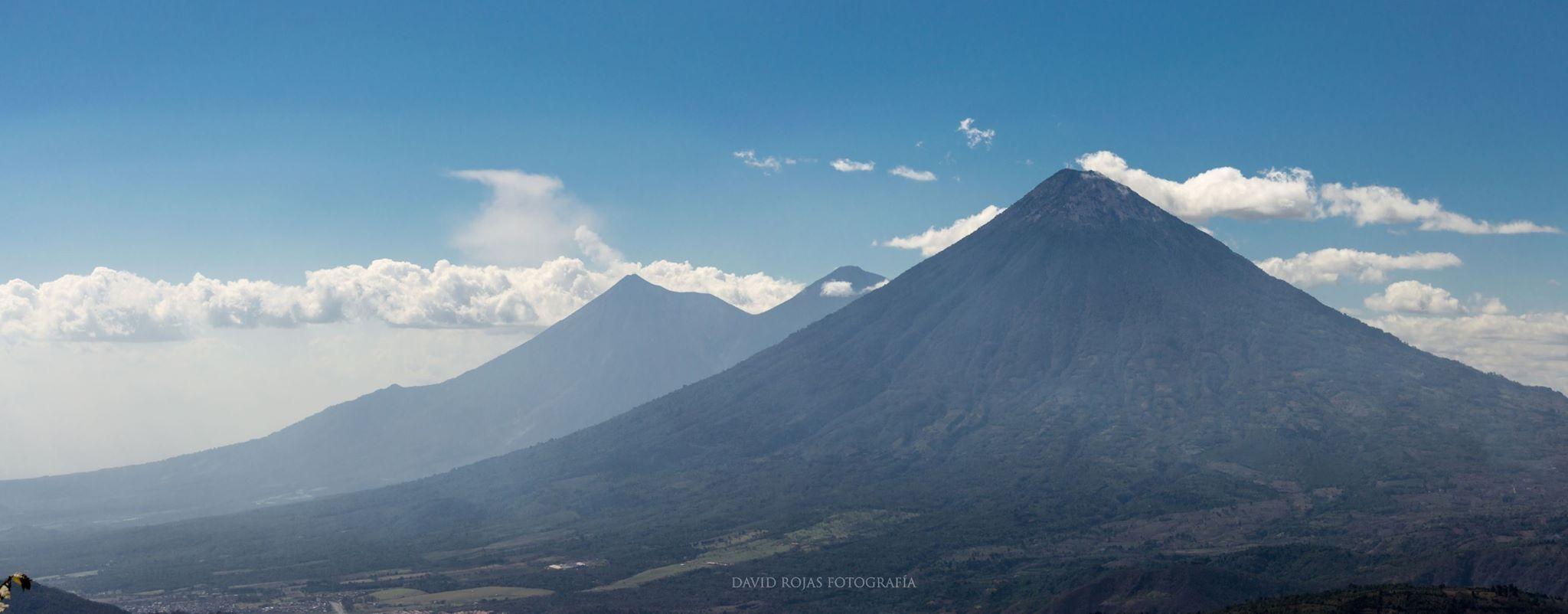 La Trilogía, volcanes Agua, Acatenango y Fuego desde el Pacaya.  David Rojas Photografia   #Guatemala