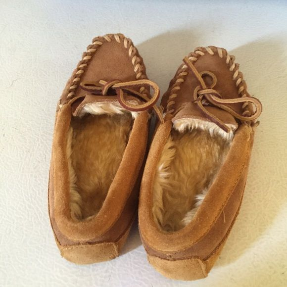 L.L. Beans girls size 12 leather furry slippers Like new!! Super comfy. L.L. Bean Shoes Moccasins