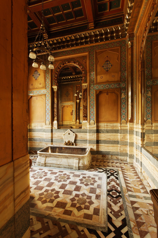 La salle de bains de la marquise de Païva est la seule pièce ...