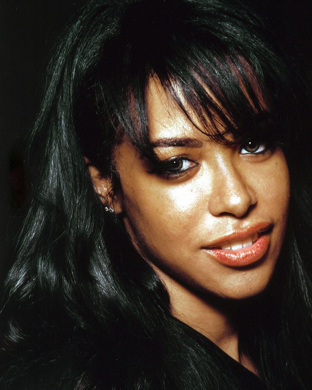 17 Years Ago Aaliyah Attended Centerone S American Red Ribbon