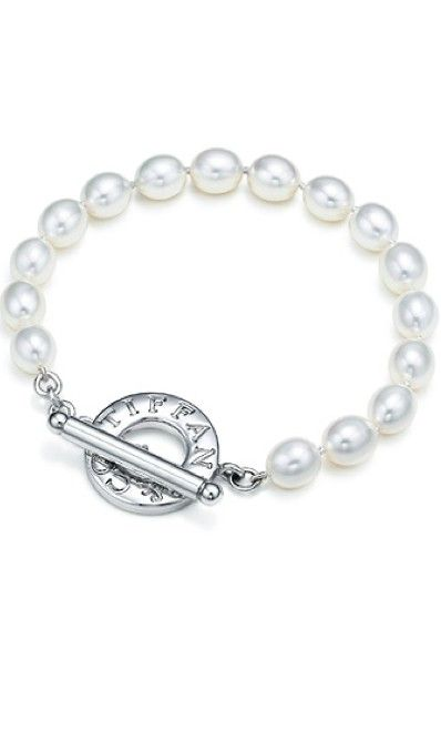 141dba117 Tiffany Pearl Bracelet. Cuz pretty bitches wear pearls. | Ooooo ...