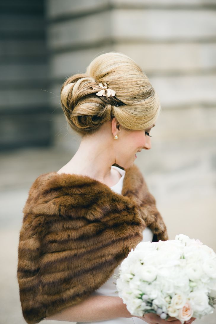 antique gold bow hair accessory | cyn kain photography https://www