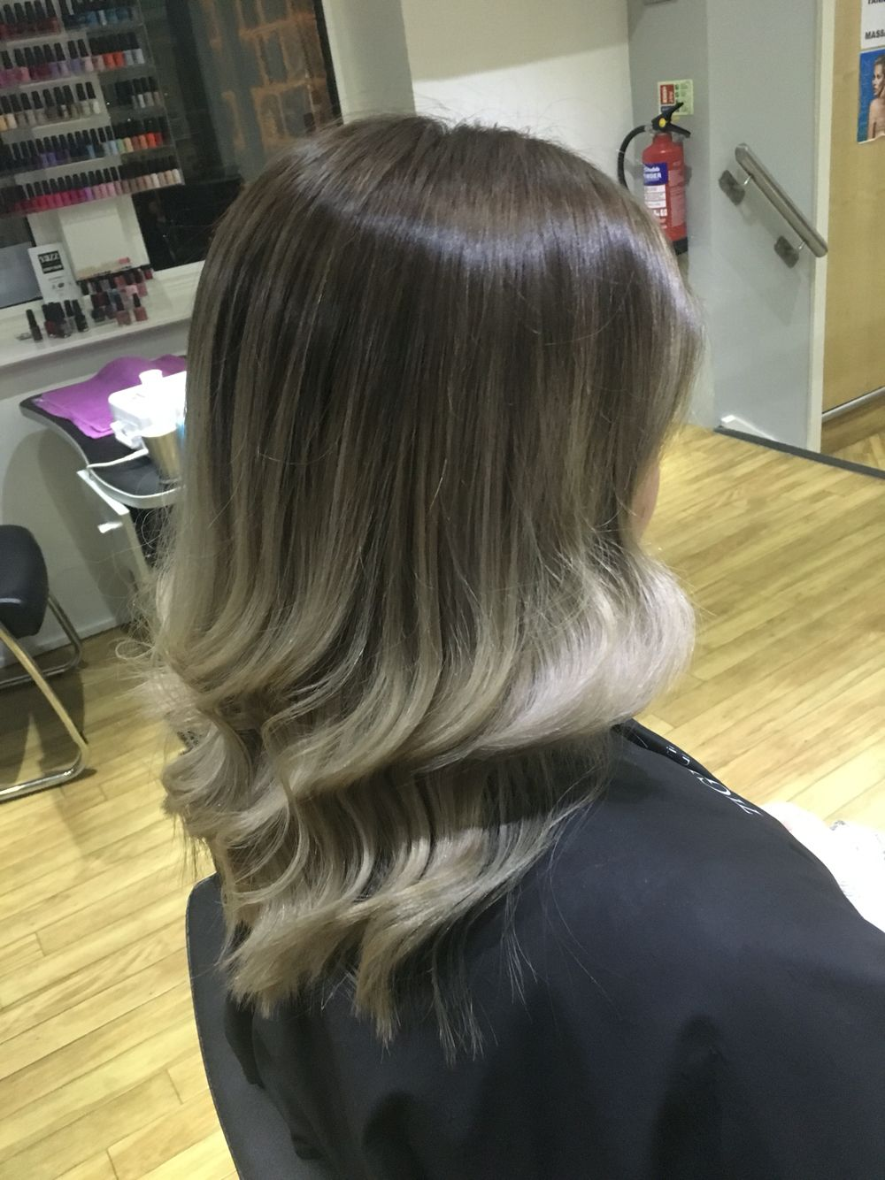 Ashy brown to white blonde ombré