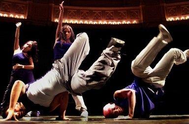 Een dossier over streetdance van de bieb voor werkstukken :).