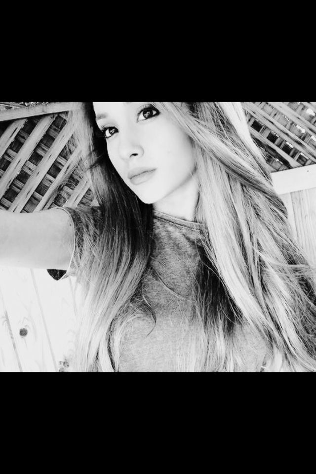 Best Ariana Ariana Ariana Grande Wall Prints 640 x 480