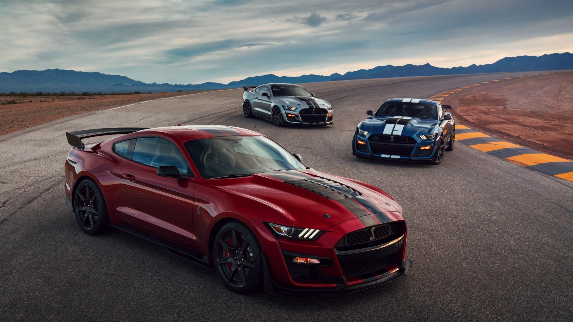 This is the 700bhp ford mustang shelby gt500 top gear