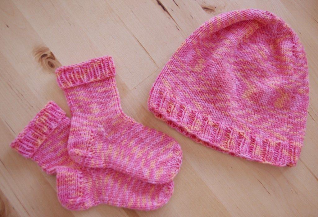 stricken erstlings set rosa anleitung baby pinterest rosa anleitungen und stricken. Black Bedroom Furniture Sets. Home Design Ideas