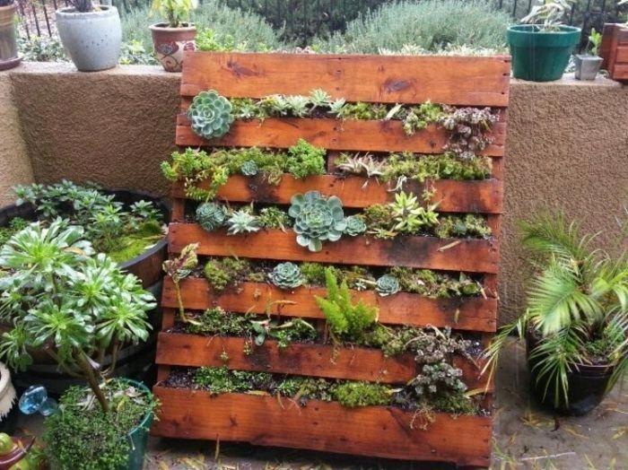 Mur v g tal comment faire le jardinage sur palette un - Comment faire un jardin vertical ...