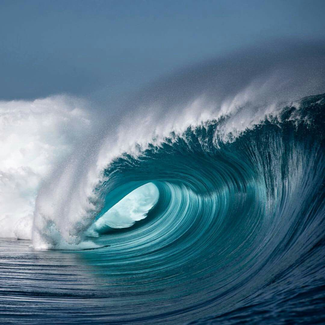 Pin By Mila Budek On Waves Pinterest Ocean Surf And Wave Surf - Incredible photographs of crashing ocean waves by ben thouard