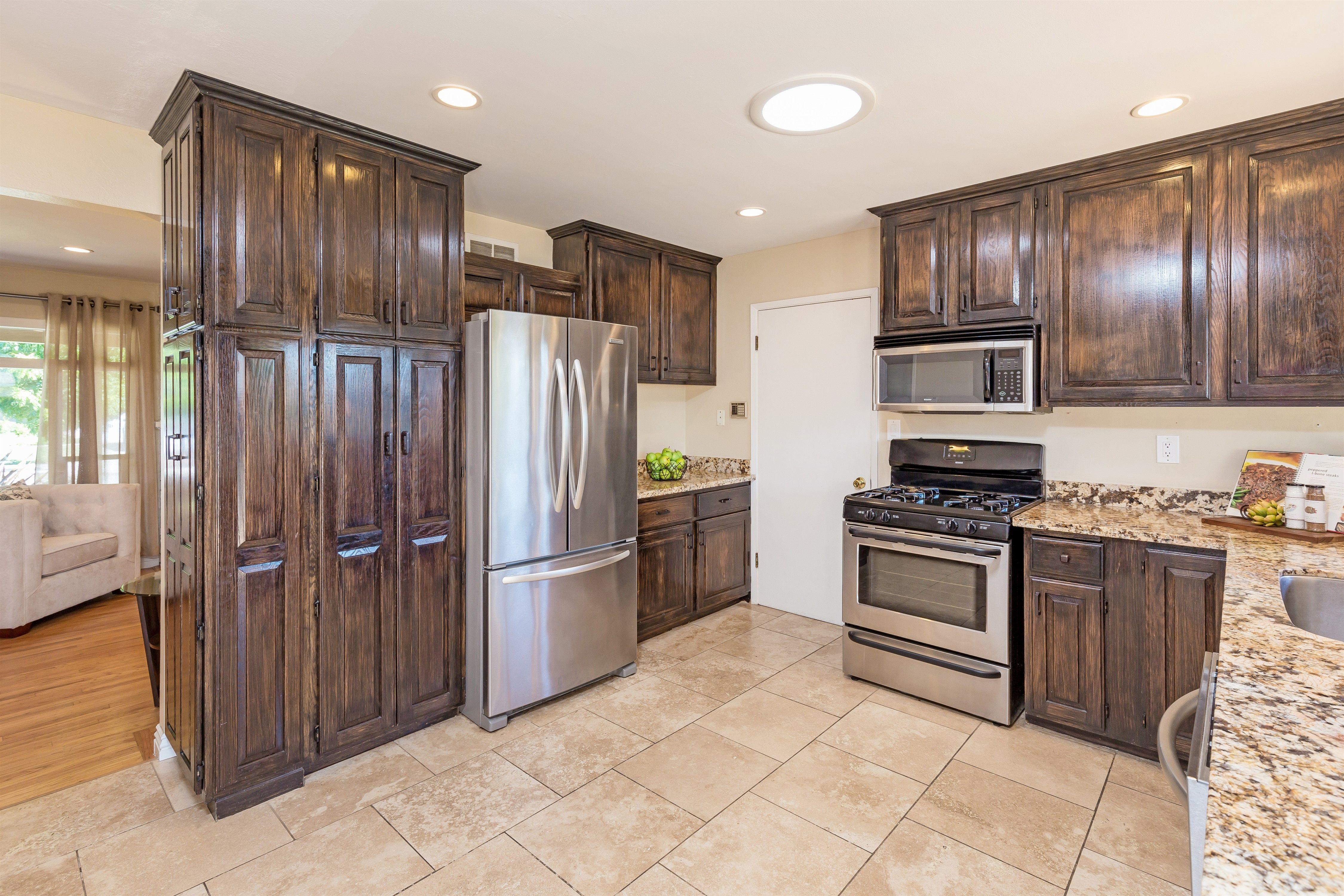 Kitchen | Kitchen, Kitchen cabinets, Home decor