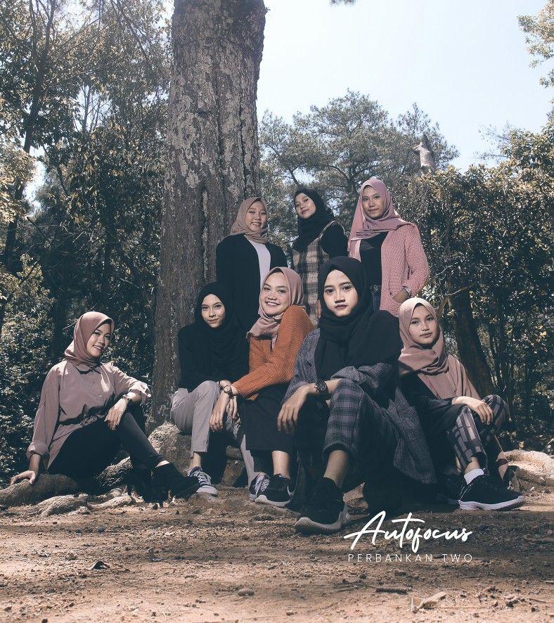 Konsep Buku Tahunan Sekolah Foto Grup Fotografi Teman Foto Teman
