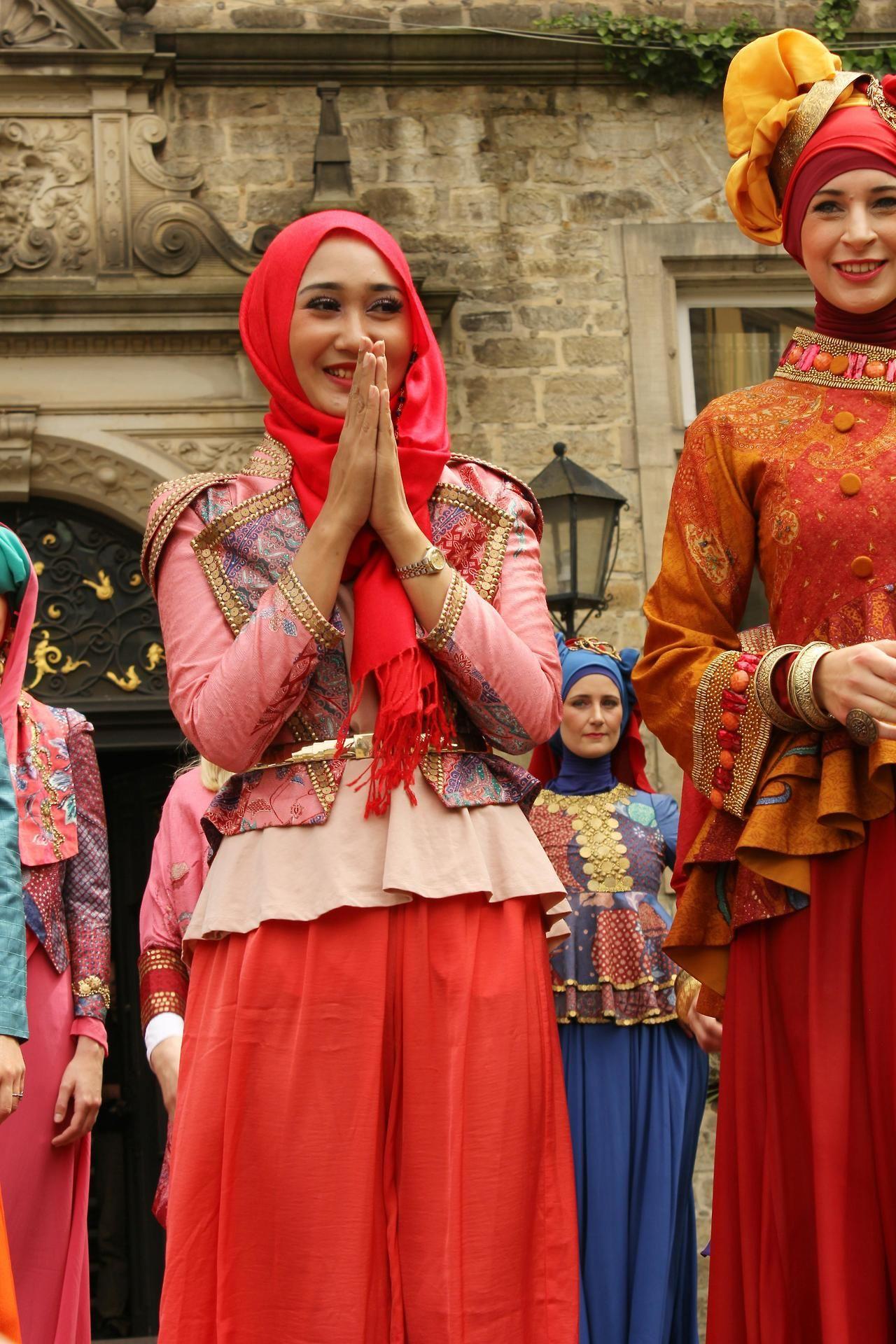 Hijab Batik Dress By Dian Pelangi Kebaya And Batik Pinterest