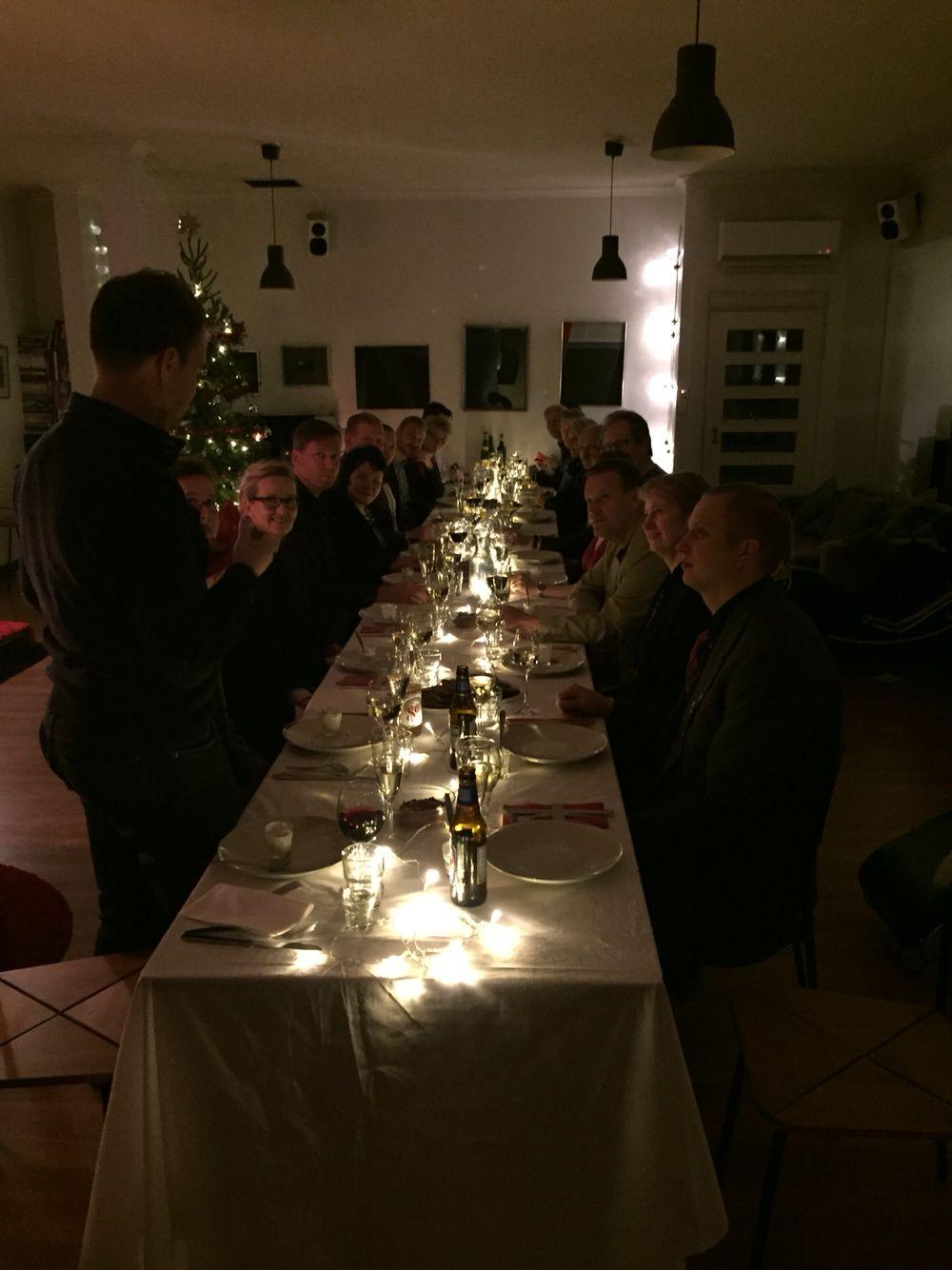 Illallispöytä Jouluchillailuissa 2015