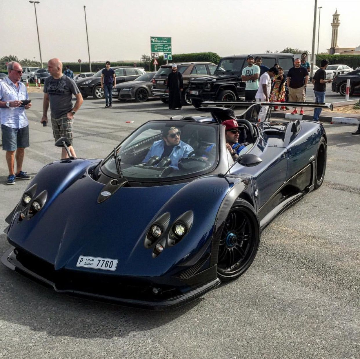 Pagani Zonda 760AG Made Out Of Exposed Dark Blue Carbon