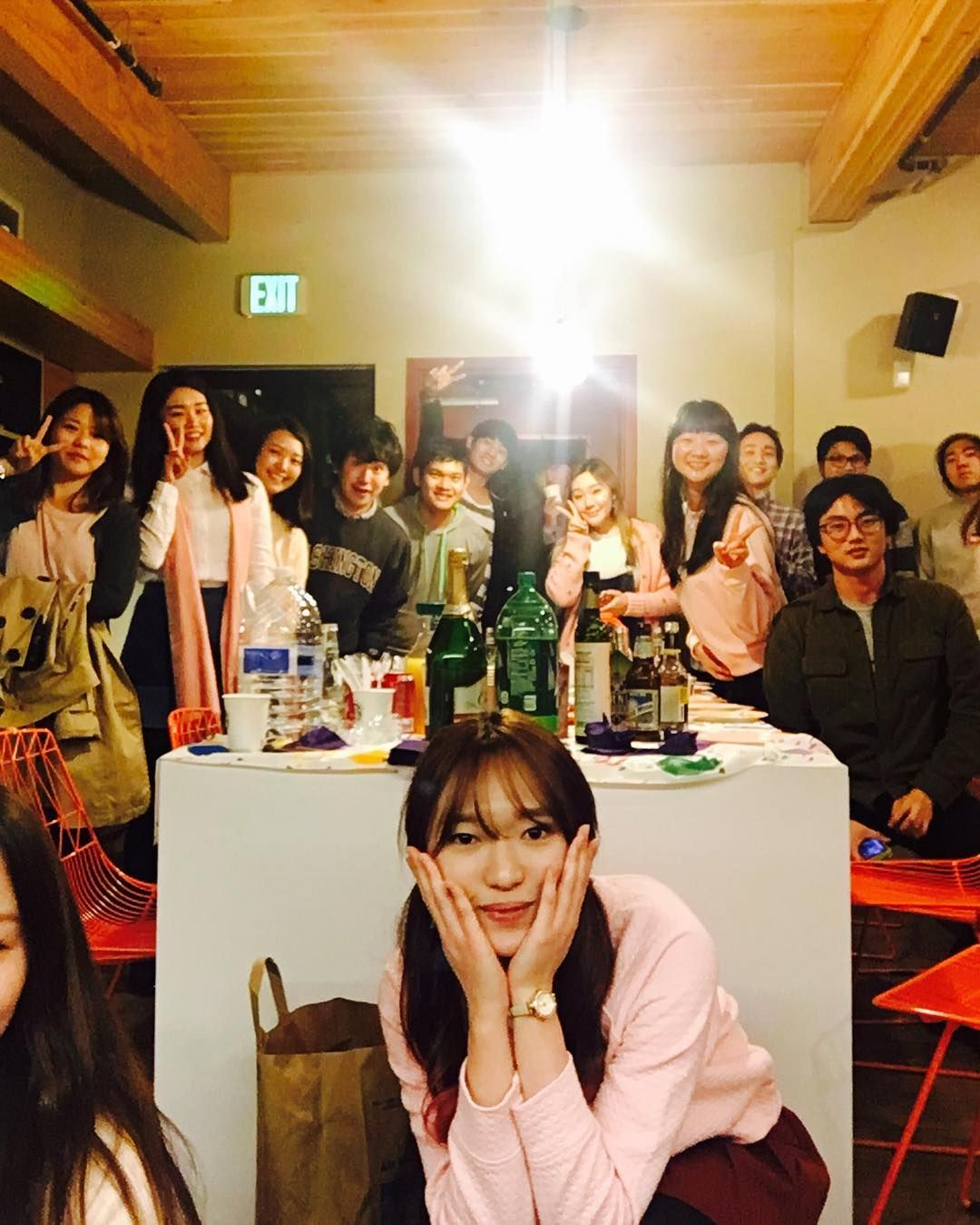 Mar 10 2016 Ending Quarter Party  . Where is Kana...?? . #uw #spring #springquarter #studyabroad #washington #friends #friendship #daily #유덥 #스프링쿼터 #유학 #워싱턴 #시애틀 #seattle #selfie #친스타그램 #일상 by ub_irene