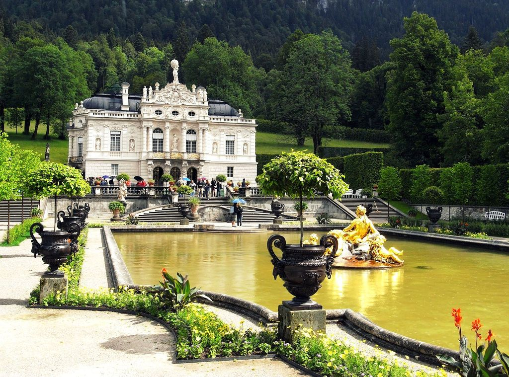 Schloss Linderhof Jigsaw Puzzle In Castles Puzzles On Thejigsawpuzzles Com Germany Vacation City Travel Linderhof Palace