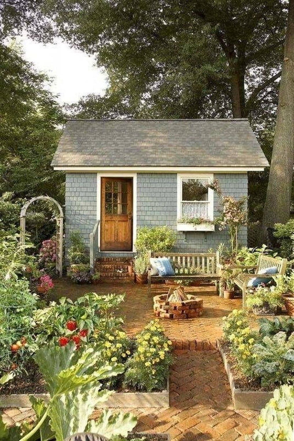 Incredible Backyard Storage Shed Makeover Design Ideas15
