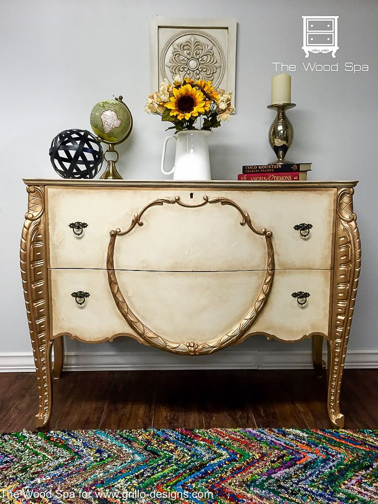 getting the aged look with dark wax / Grillo Designs www.grillo-designs.com - How To Use Dark Wax To Antique Furniture Chalk Paint Pinterest