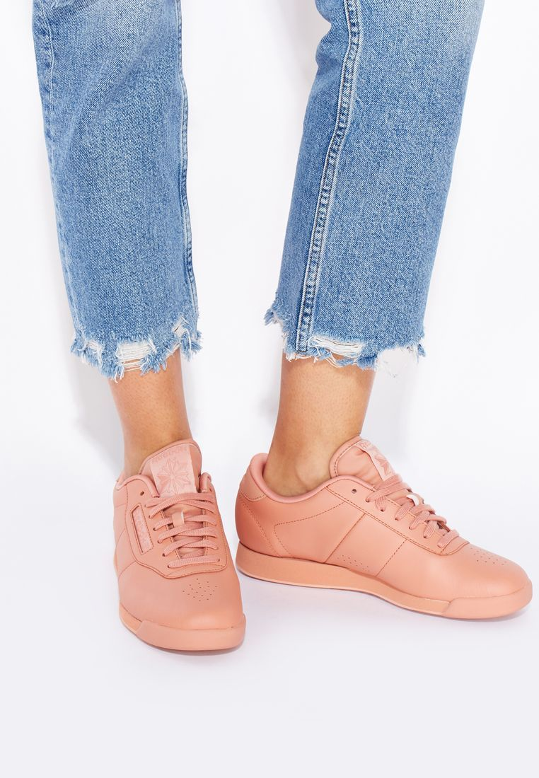 4256fb30e6b6 Reebok Women s Princess Spirit Pink Nude Sneakers