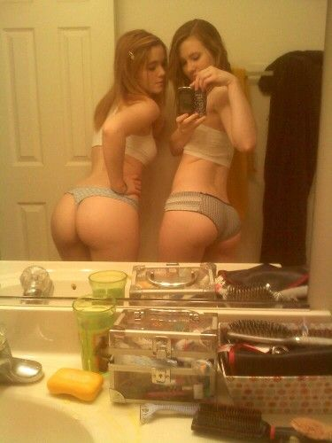 Two Sexy Teens Lingerie Thong Tanga Butt Ass Culo Selfie Selfshot Mirror Pyraelcapo