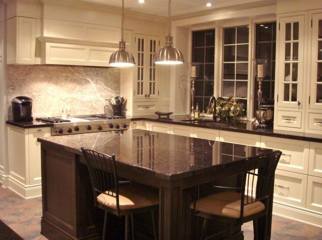 Houzz small kitchens kitchen counter seating in an for Houzz small kitchens