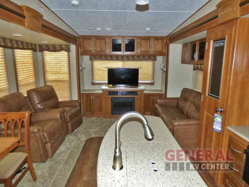 New 2016 Prime Time RV Crusader 322RES Fifth Wheel at General RV | Huntley, IL | #123970