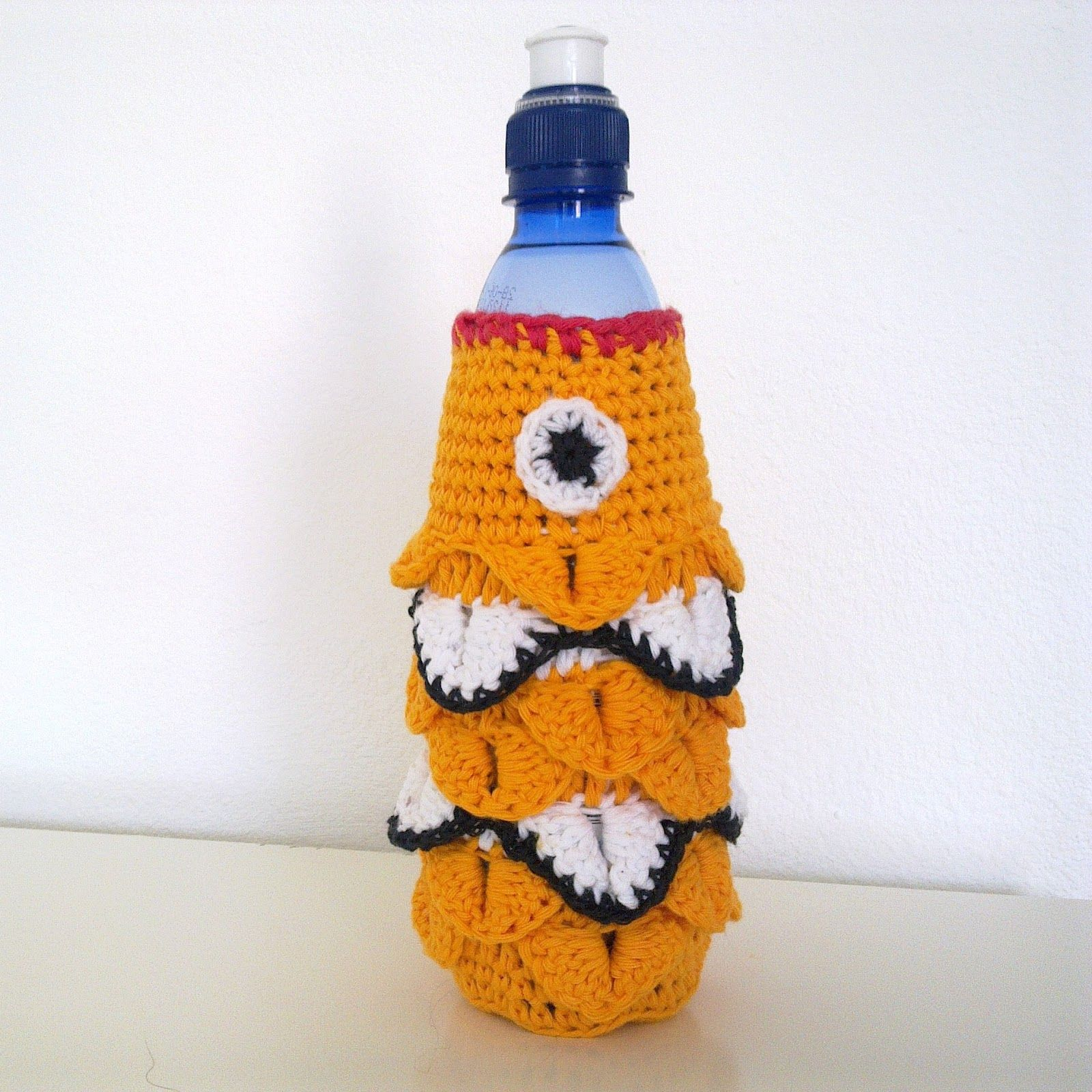 Free waterbottle cozy pattern | Crocheted Accessories | Pinterest