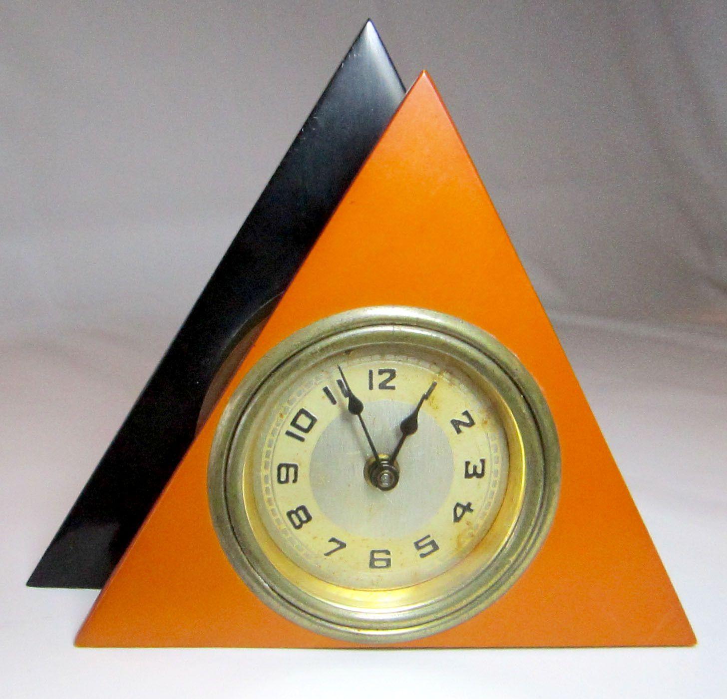 Horloge De Bureau Originale bakelite triangle tri-color deco moderne desk clock
