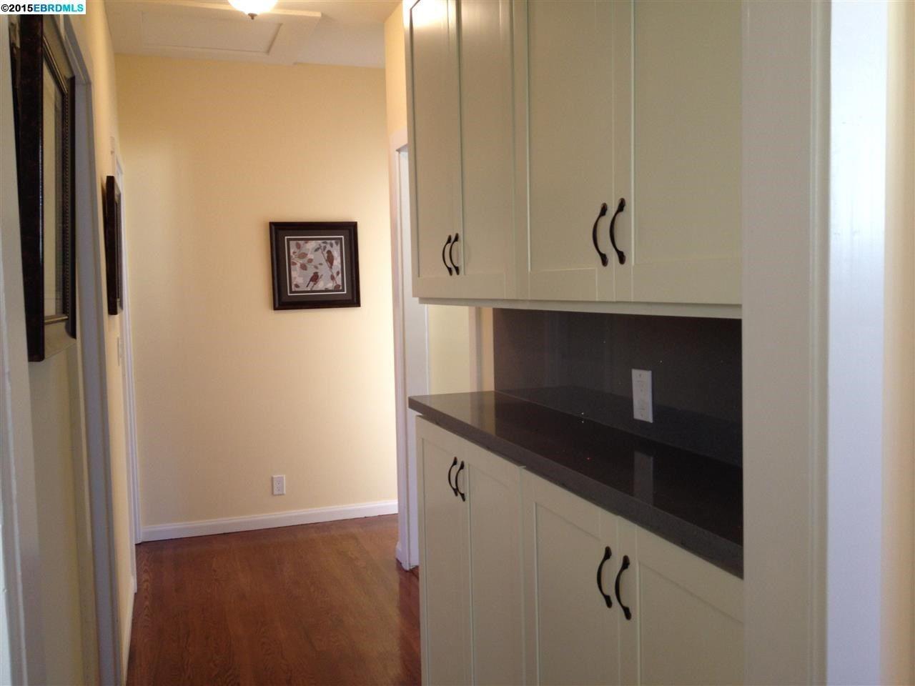 4618 Walnut St Oakland Ca 94619 Home Remodeling Home Renovation Upper Cabinets