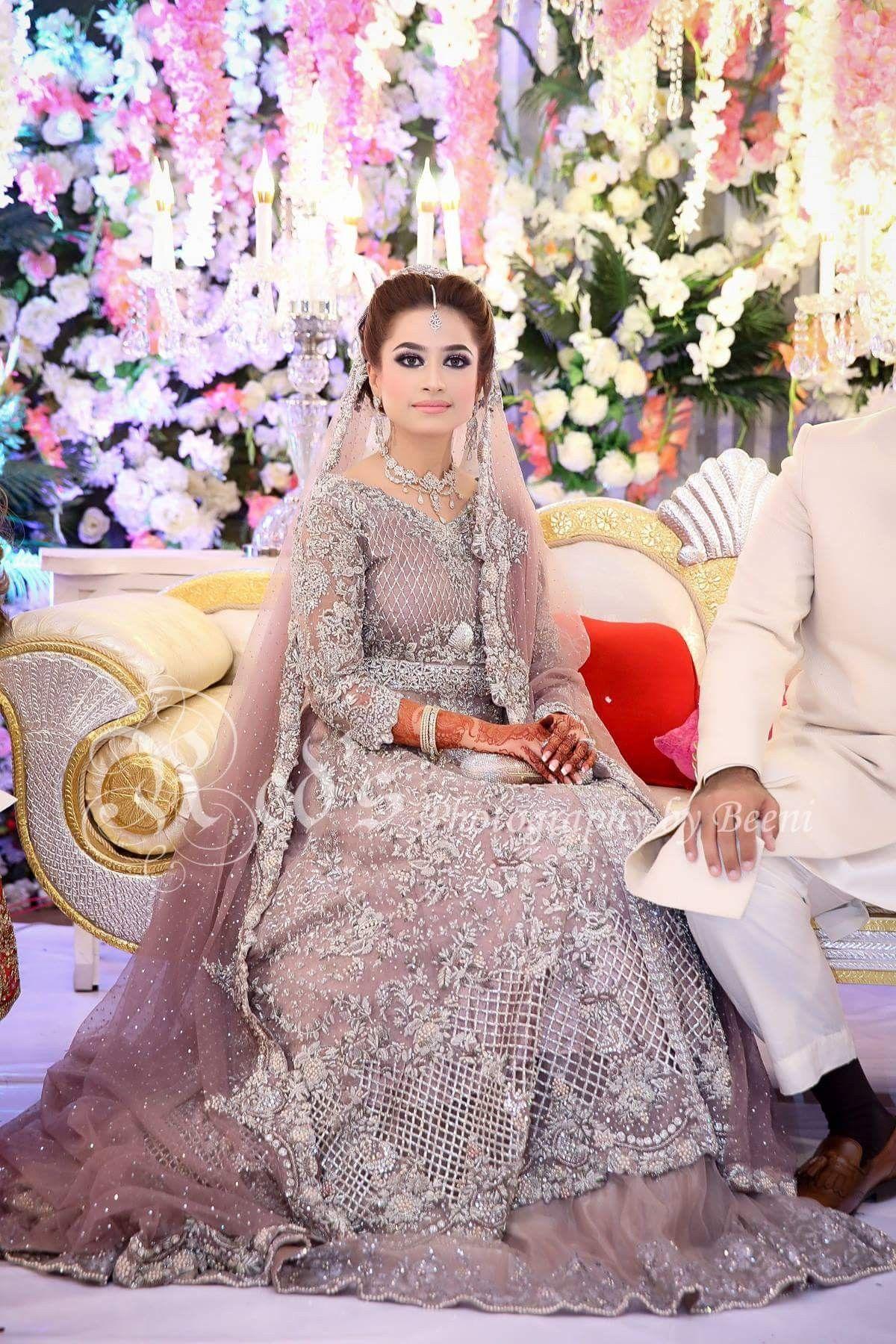 Hindu wedding dress  Pin by Ranoe Khieroe on Clothing u jewellery  Pinterest  Pakistani