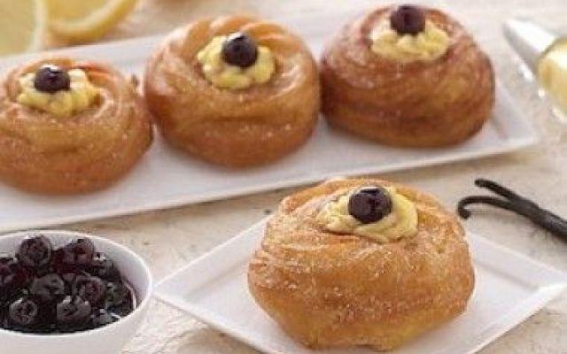 La specialità delle zeppole di San Giuseppe #zeppole #napoli #sangiuseppe