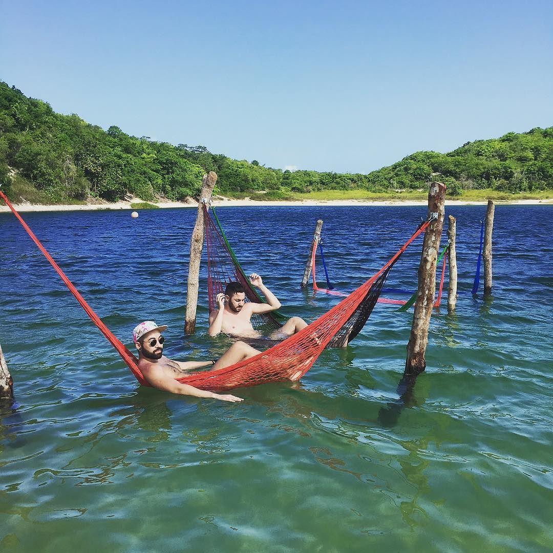 #relaxing #happy #happyplacefound #lagoadealcaçuz #natal #vaca #hammocklife #hammocks #ferias #redes #relaxando @nacir.alberto by @talfab