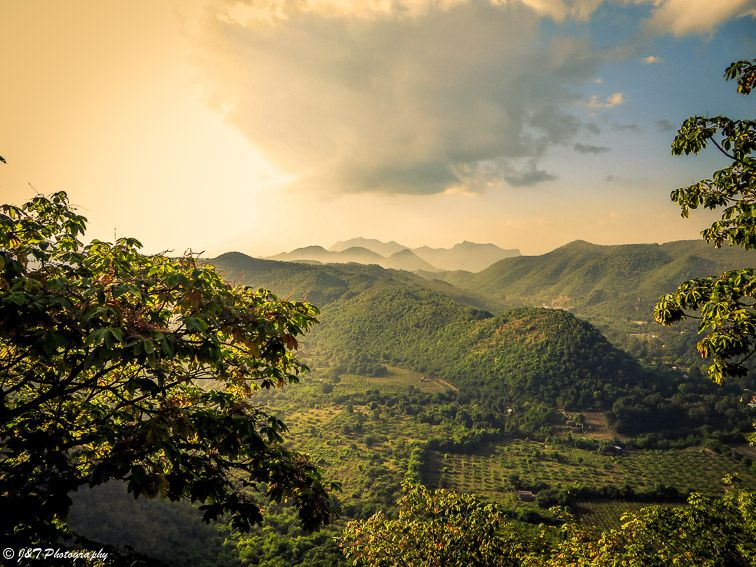 4 Reasons You Have To Go To Myanmar Now! (With Images
