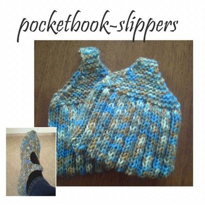 Pocketbook slippers, tofflor passar alla en storlek lilla bilden är på foten. stickor 4 restgarner