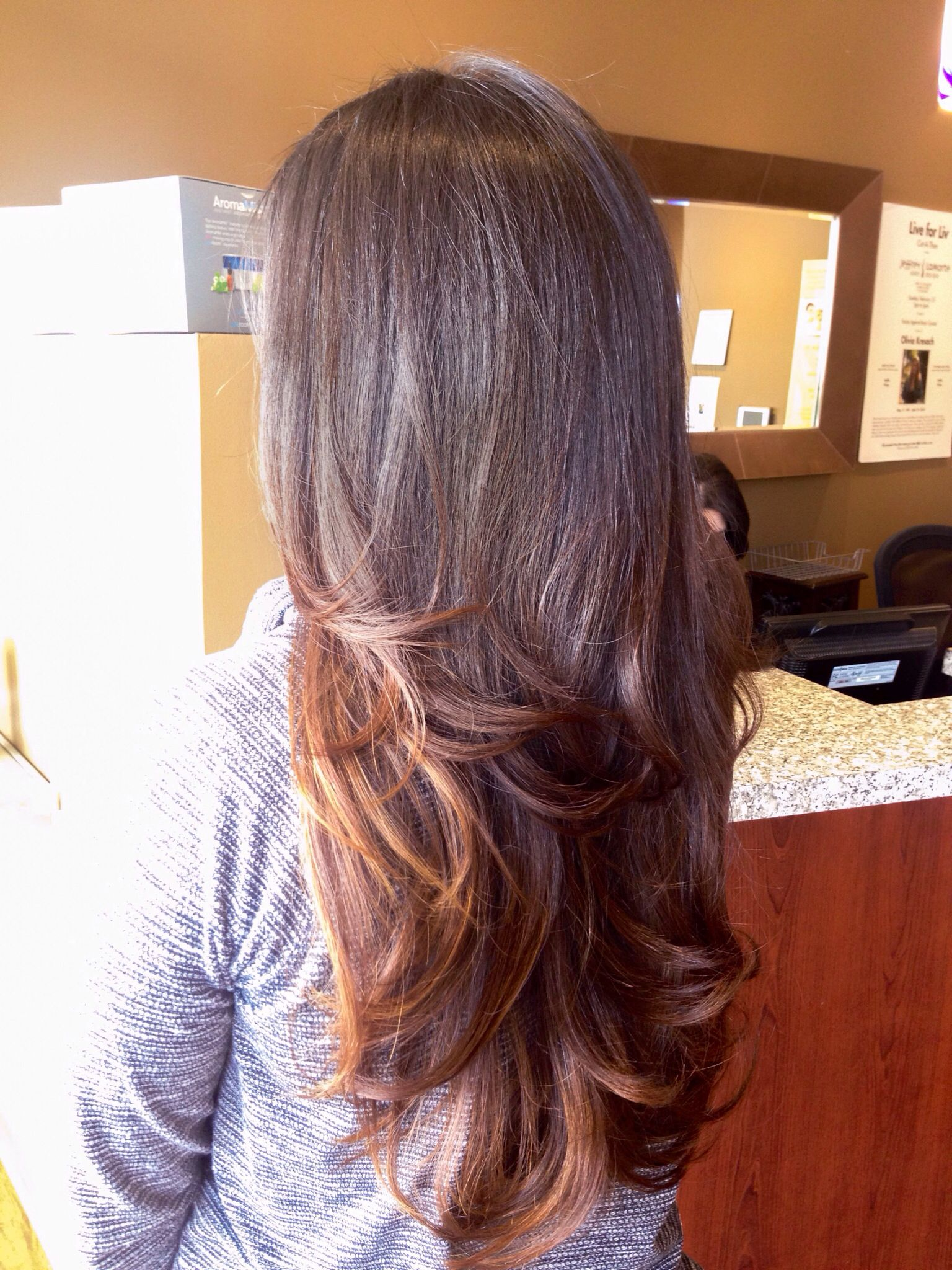 Flippy Bombshell Blowout With Medium Layers On Long Hair Blowout Curls Long Hair Styles Long Layered Hair